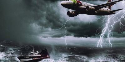 Avion et bateau Triangle des Bermudes