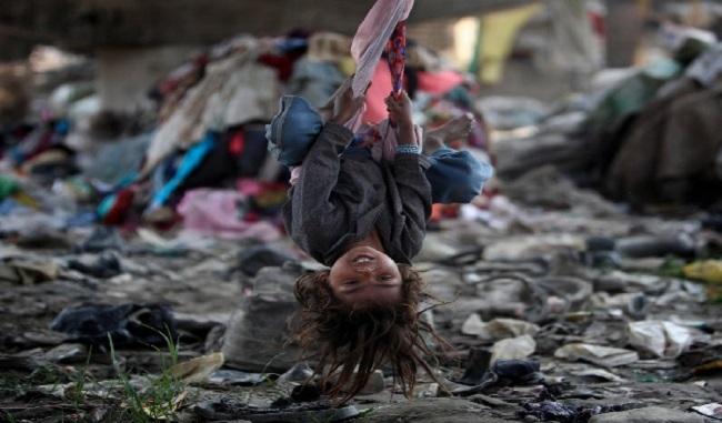 Népal les enfants jouent