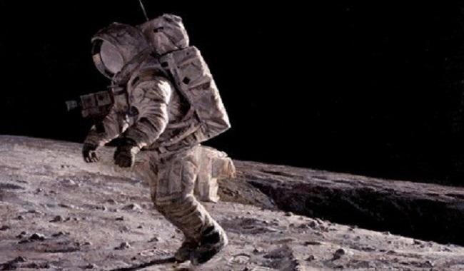 On est plus léger sur la Lune