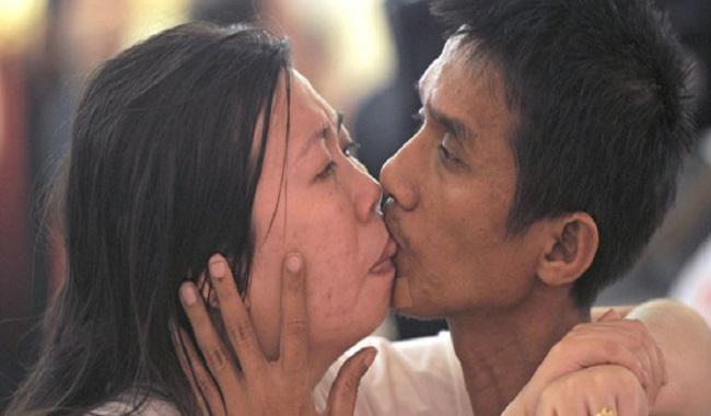 Le plus long baiser du monde