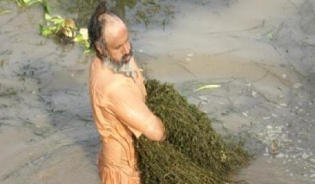 Restauration d'une rivière sacrée en Inde