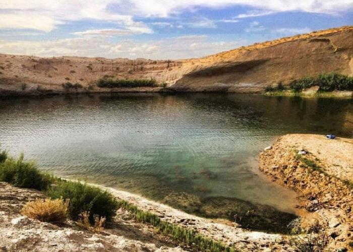 Lac mystèrieux en Tunisie