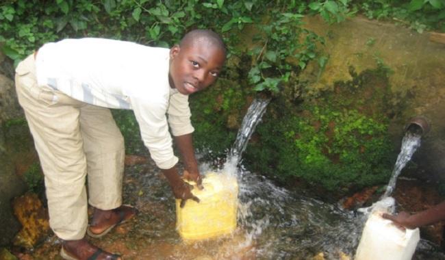 3,4 millions de personnes meurent à cause de l'eau contaminée