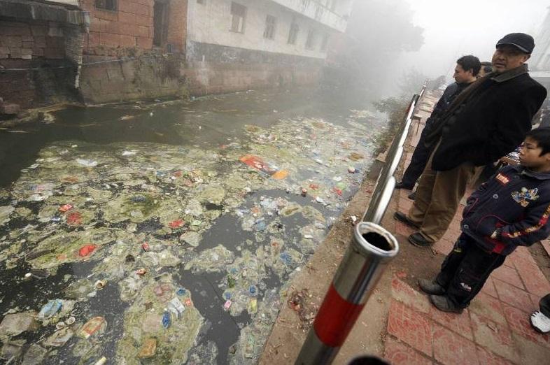 Canal Pollué Chine