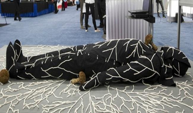 Burial Suit Infinity costume d'enterrement aux champignons