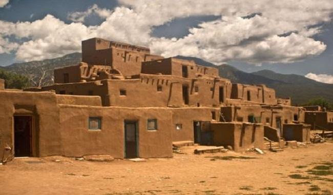 La ville de Taos Hum