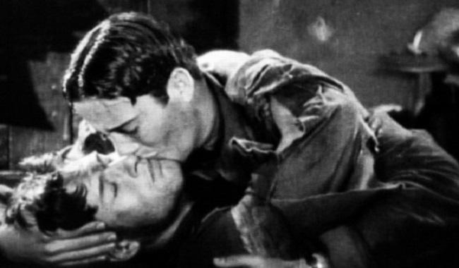 Premier baiser entre 2 hommes à la télé