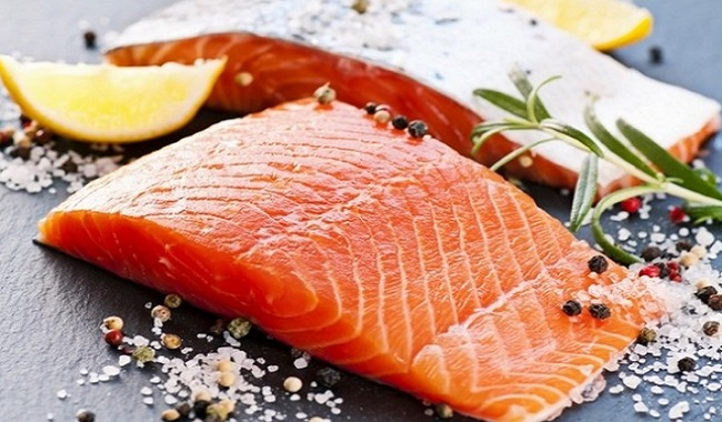Le saumon aide les cheveux à pousser plus vite