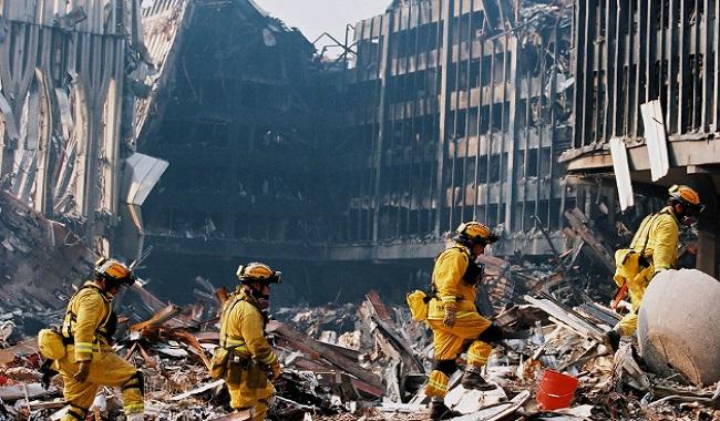 Parties de corps humains retrouvés dans les décombres du World Trade Center